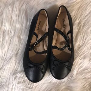 Size 4 Girl's Stevies Black Flats